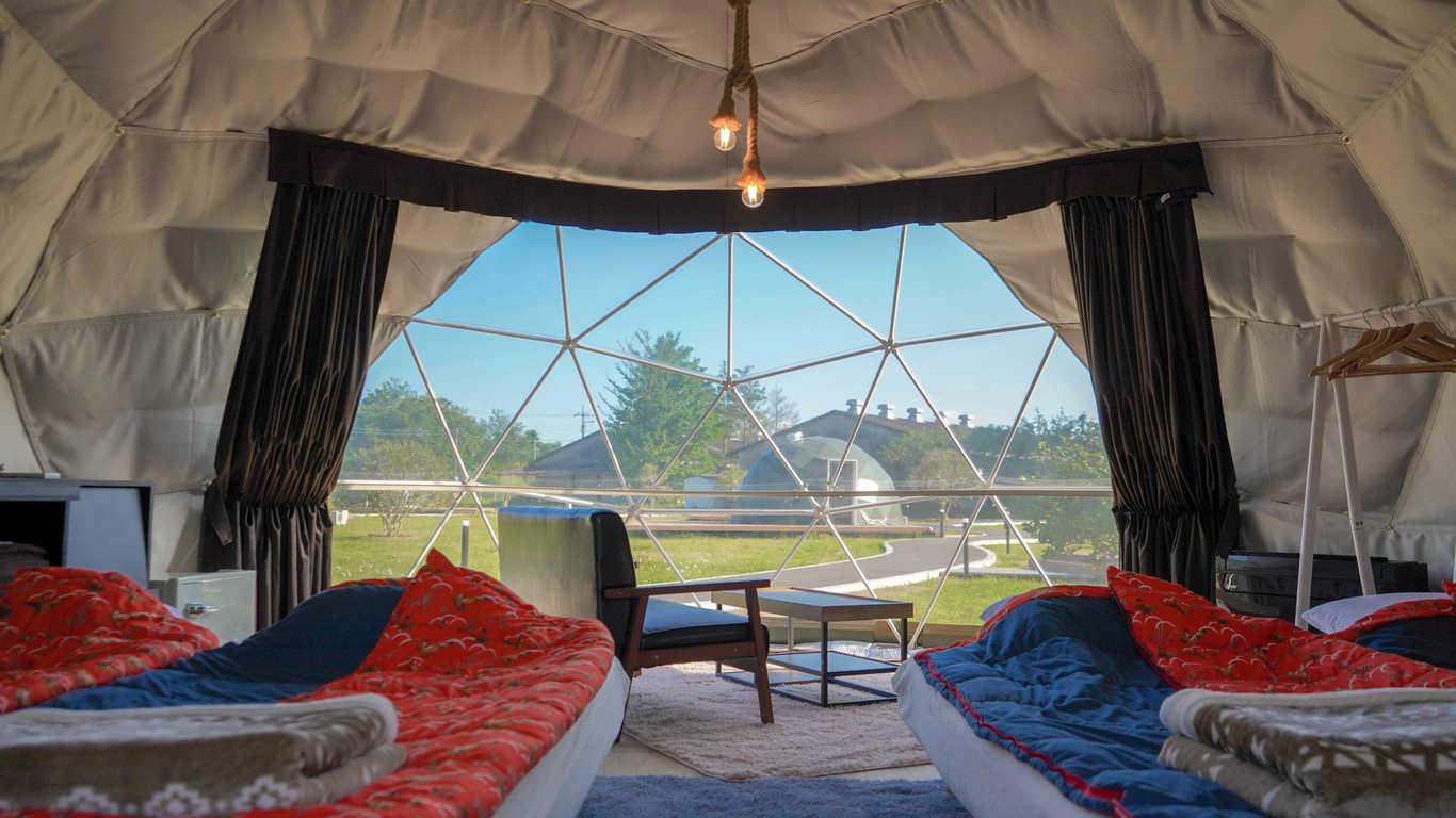 平日はなっぷがお得!【部屋食】ドームテント大人気のドームテント ・ダブルベッド2つ 画像