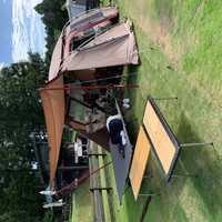 サイト内のテント設置