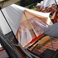 日中のテント