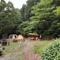 山際のキャンプ場
