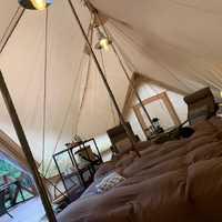 テント室内